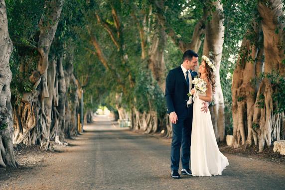 לפני החתונה ישנו במלון איילנד סוויטס בנתניה, אז הצטלמנו גם שם וגם באזור מכמורת